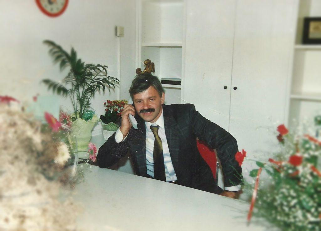 1988: Valtere Vannini il giorno dell'inaugurazione della nuova Carrozzeria..